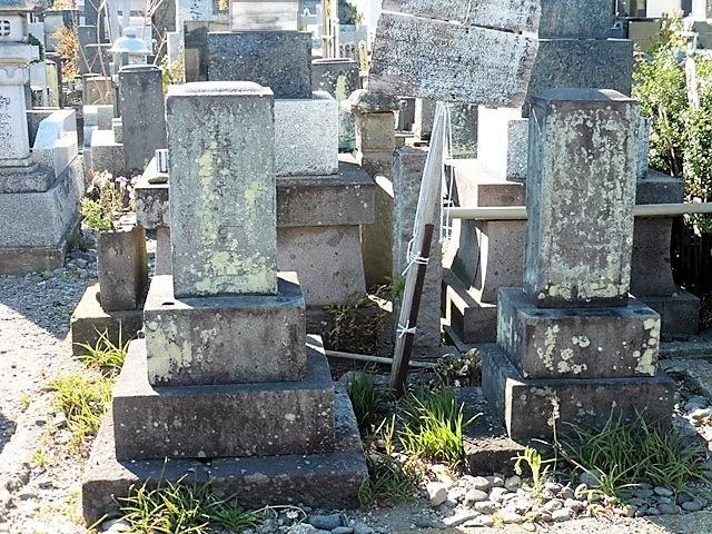 竹本土佐太夫の墓(左)& 竹本百合太夫の墓(右)(高崎市新町)