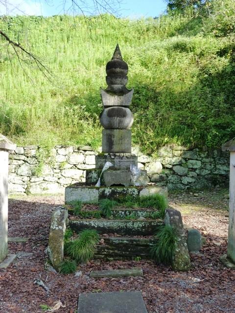 織田信雄の墓(崇福寺)