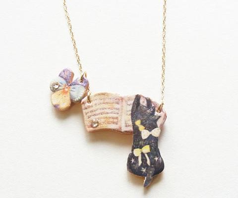 ネックレス ¥3,300(税抜)