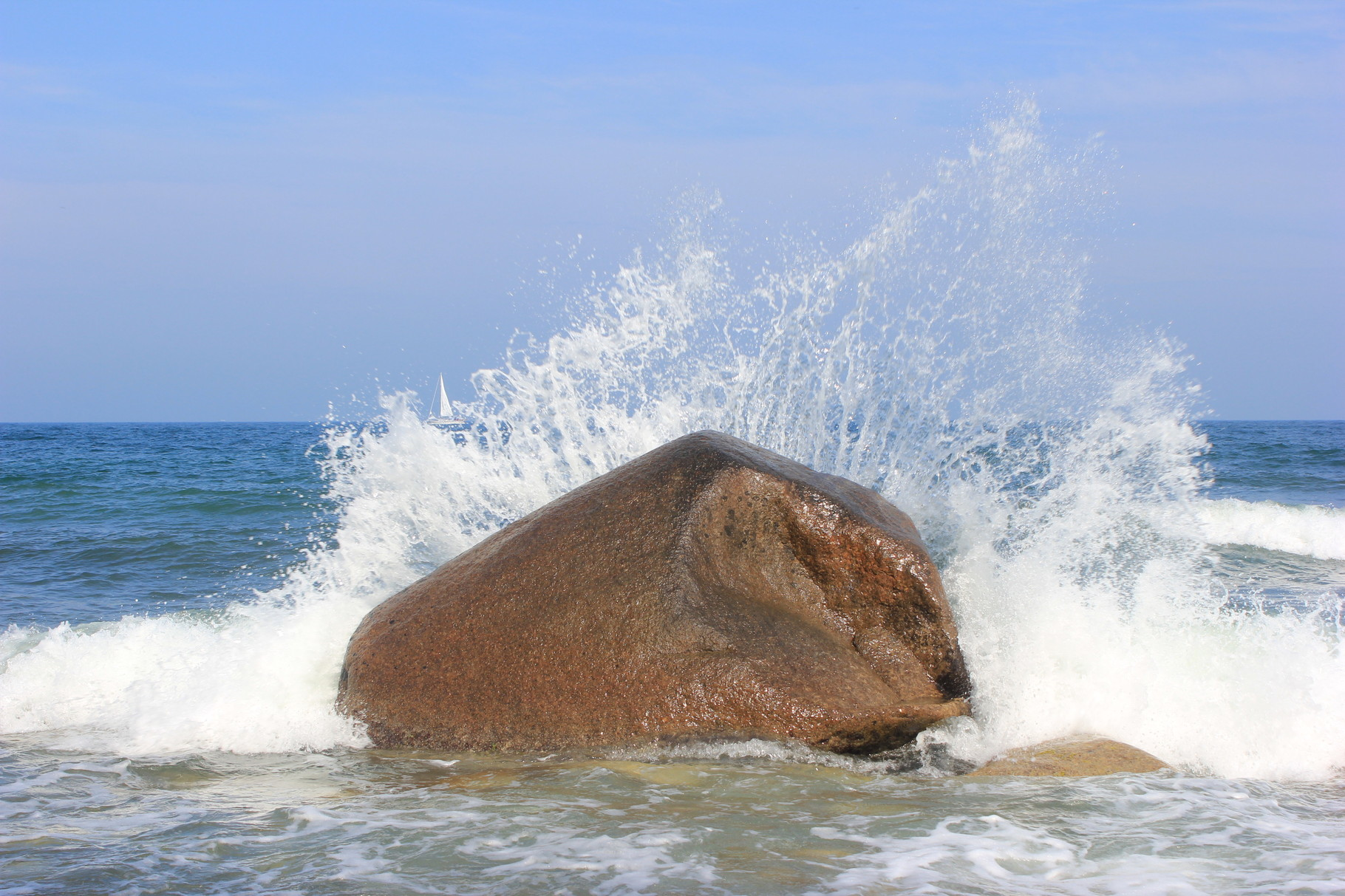 Findling im Meer