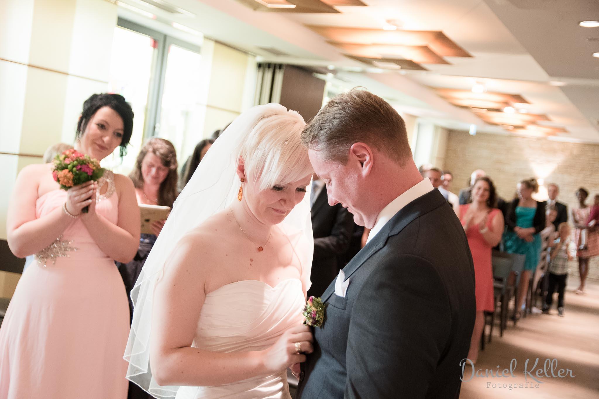 standesamtliche Trauung in der Winzergenossenschaft Affentaler Hochzeitsfotograf Bühl