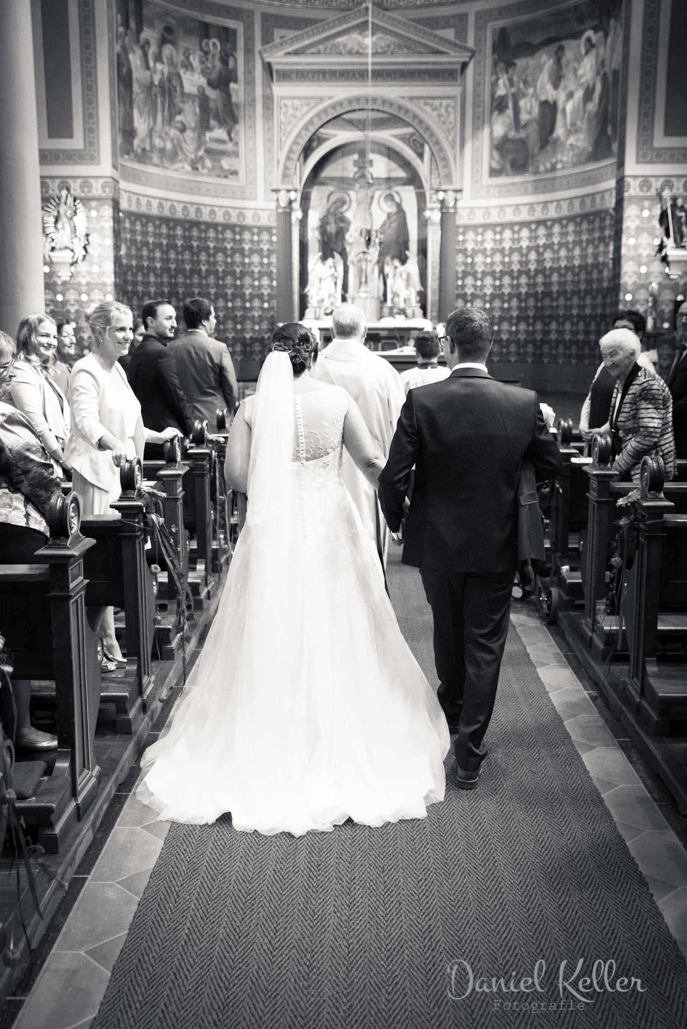 Einzug des Brautpaar in die Kirche in Lauf / Daniel Keller Fotografie