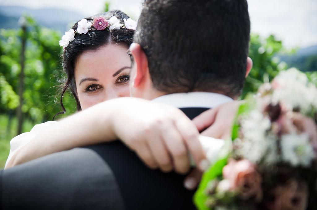 Hochzeitsfotograf in Karlsruhe / Braut mit Strauß