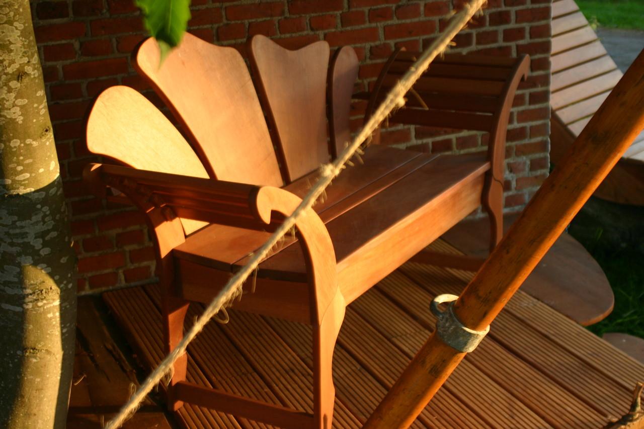 erwirb dir deinen traum aus vollholz aeroe snedkeri. Black Bedroom Furniture Sets. Home Design Ideas