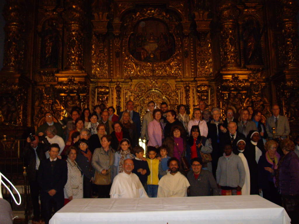 Miembros asistentes al encuentro, Iglesia del Monasterio de Madre de DIos (Sevilla)