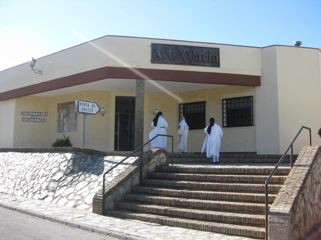 Entrada al Monasterio