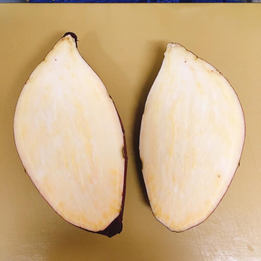 大きな芋の場合、2つに切る。
