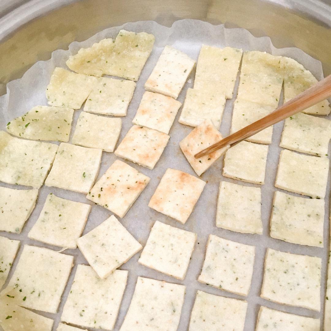 フライパン10分焼いたらひっくり返します。