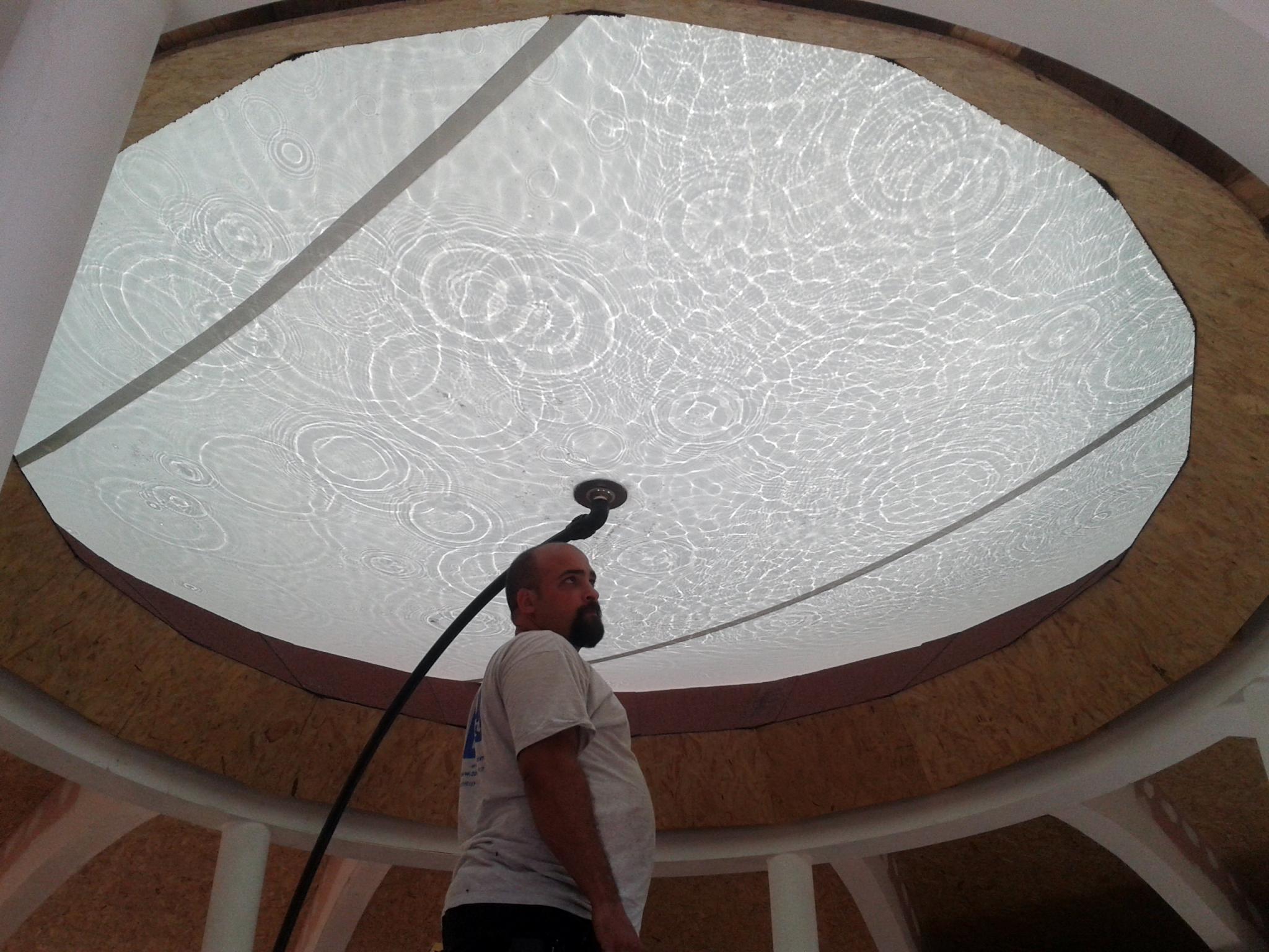 Casa Impluvium. Lente de agua en el óculo central de cubierta. Vista del Interior. Vellosillo