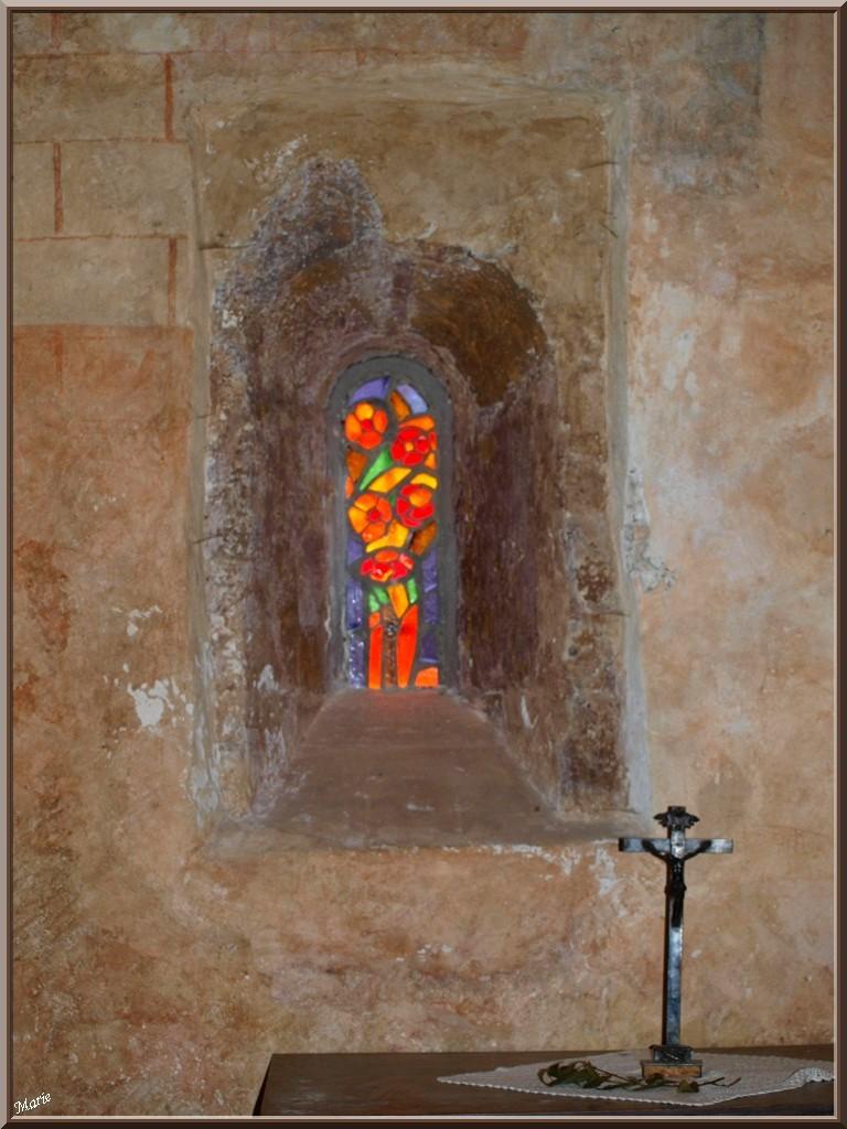 Eglise St Michel du Vieux Lugo à Lugos (Gironde) : vitrail côté gauche de l'autel