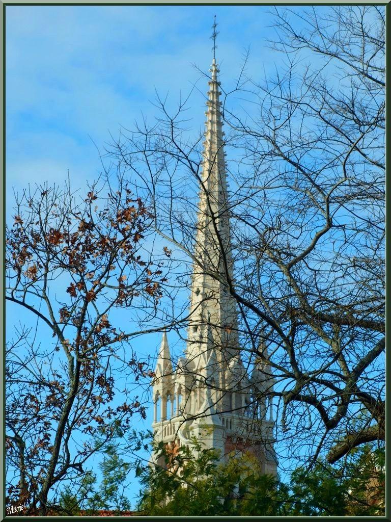 Clocher de la Basilique Notre Dame d'Arcachon, Ville de Printemps