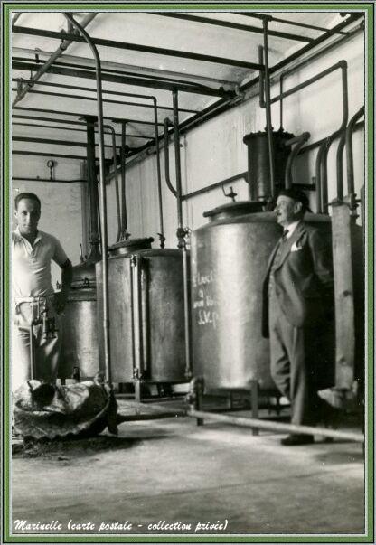 Autrefois... Une distillerie vers 1930 (carte postale - collection privée)