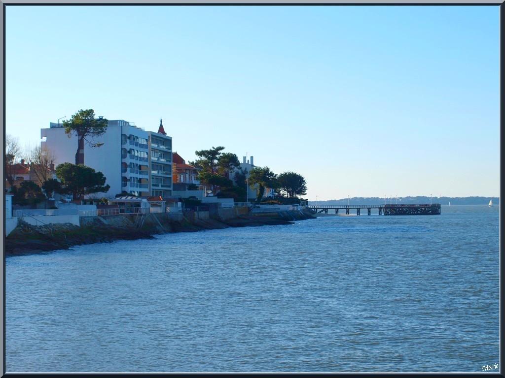 """Arcachon front de mer en """"Ville de Printemps"""", le Bassin et la Jetée de la Chapelle"""