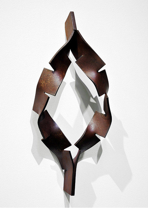 Metamorphosis - pupa ( sanagi ) <No.M-40>  mild steel / H.42x18x9cm / 2013