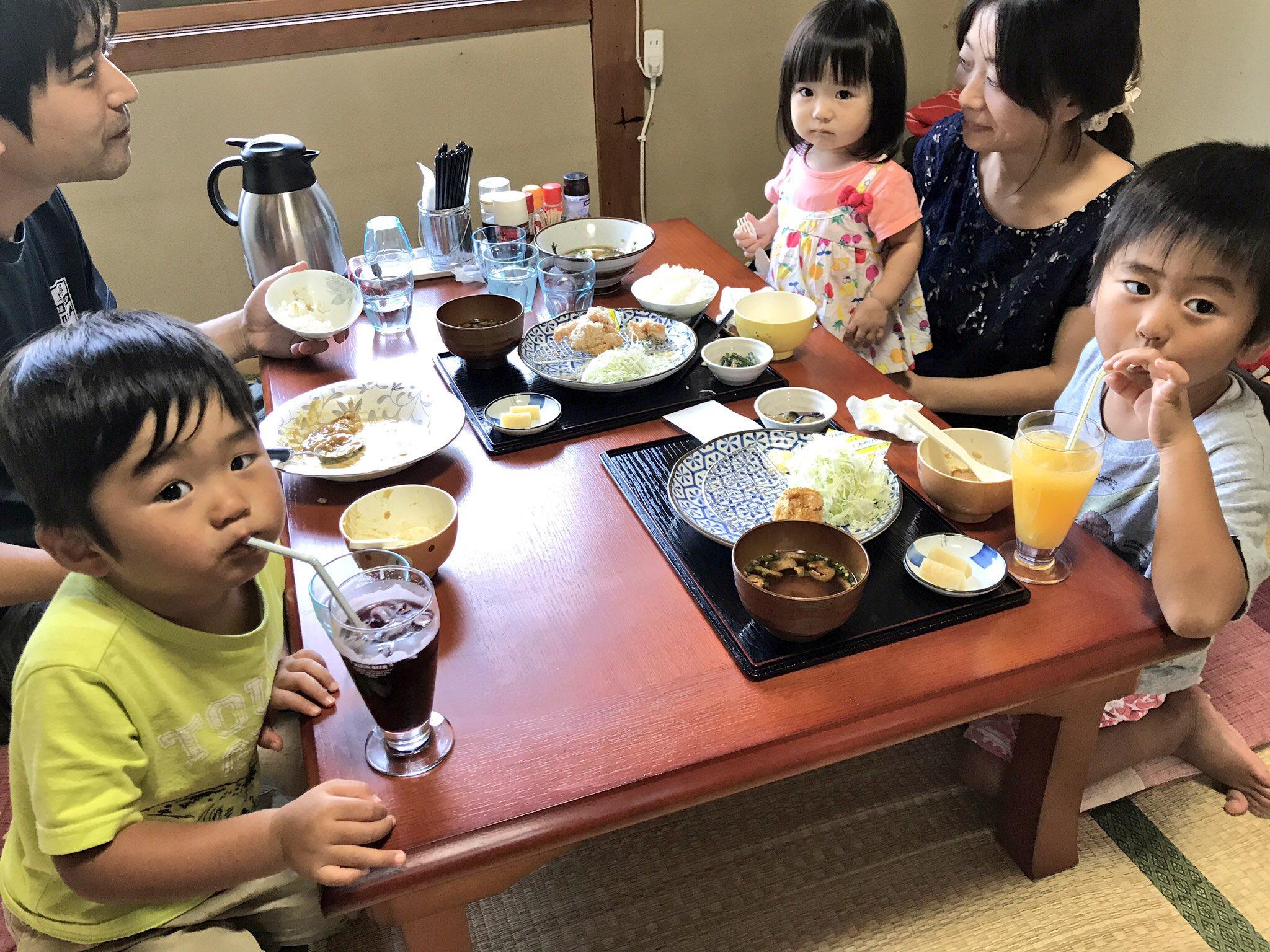 お子様連れもゆっくり食べられます。