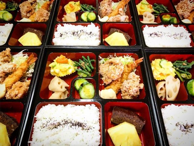お店でも、一人ずつのお弁当で食べれます。(3日前までの予約で出来ます。)
