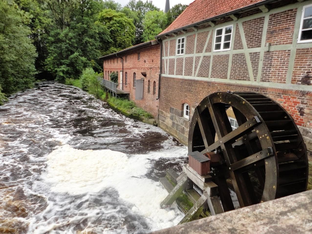 ~ Bild: Wassermühle an der Oste ~