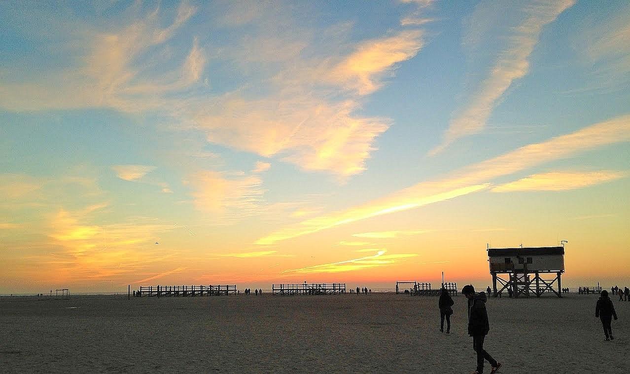 ~ Bild: Pano(d)rama Strand von Sankt Peter Ording (Abendliches Strandleben) ~