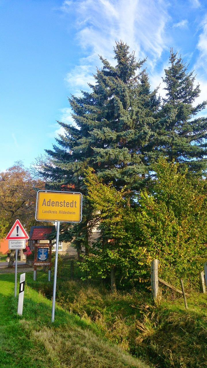 ~ Bild: Adenstedt, mit gleichnamiger Gemeinde, Landkreis Hildesheim ~