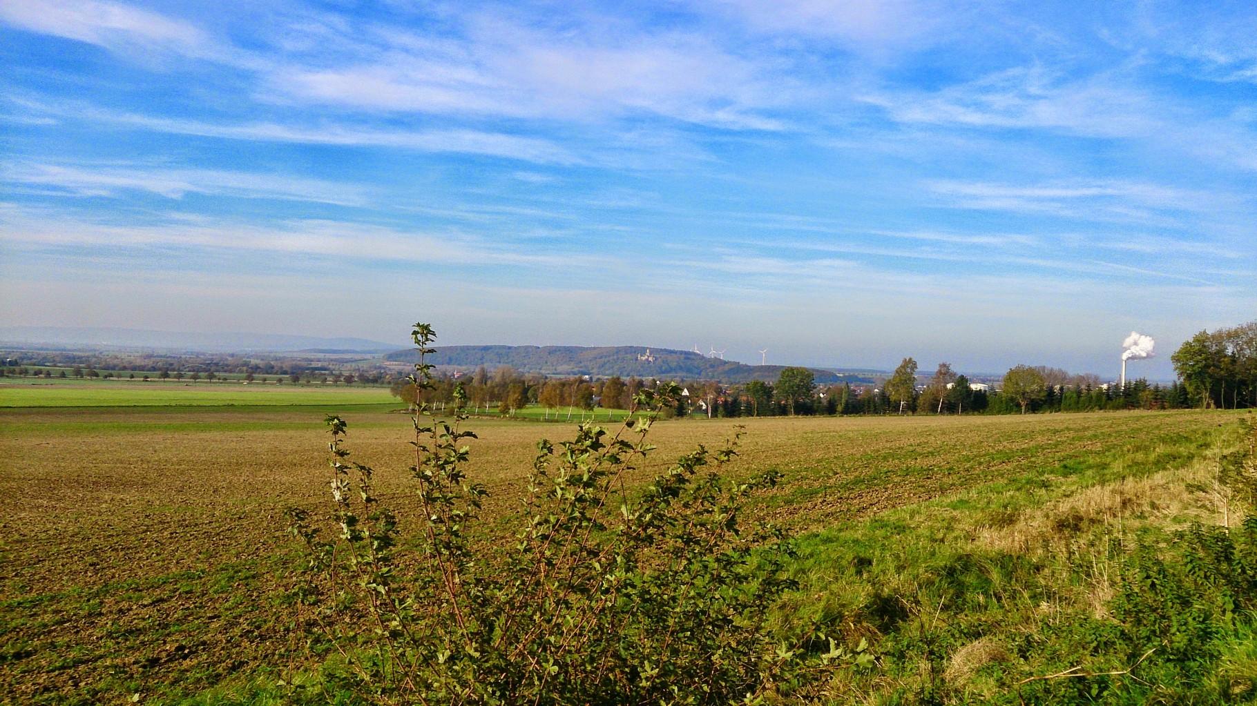 ~ Bild: Die Marienburg nach der Abzweigung von Burgstemmen nach Gronau ~