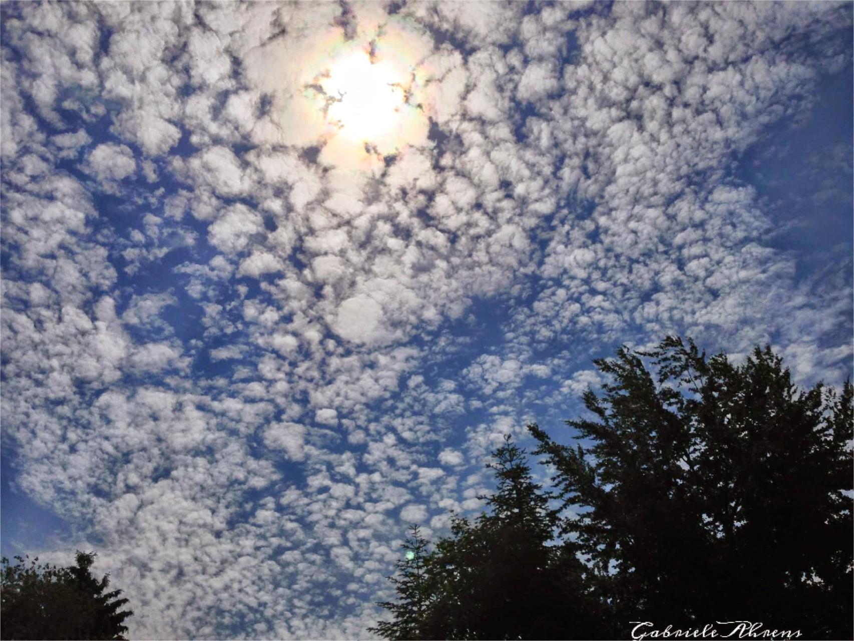 ~ Bild: 'Sonnen-Wolken-Schwaden' ~