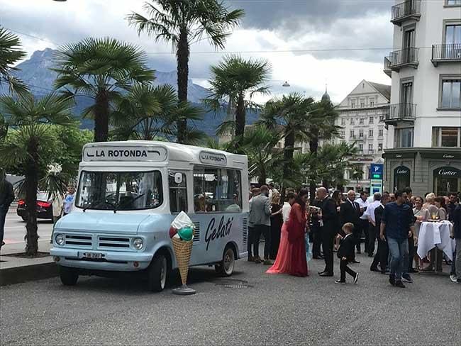 Mobile Gelateria an einer Hochzeit