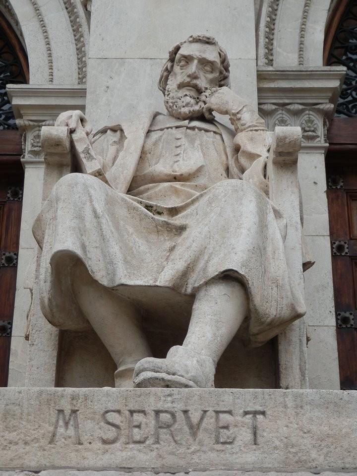 Monumento a Miguel Servet en el Paraninfo de Zaragoza