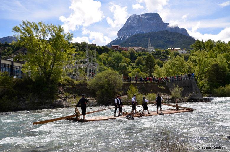 Los Nabateros del Sobrarbe en el río Cinca