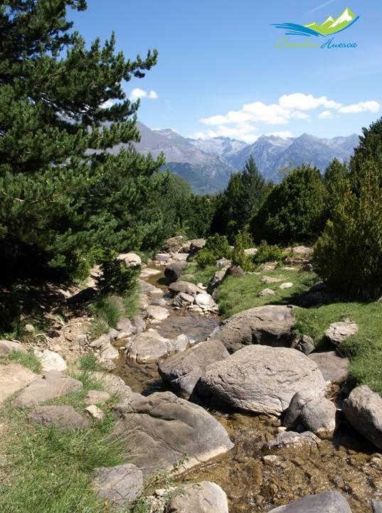 Ruta al Ibón de Piedrafita, en el valle de tena, Huesca.