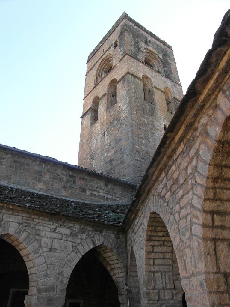 Torre Iglesia de Aínsa.