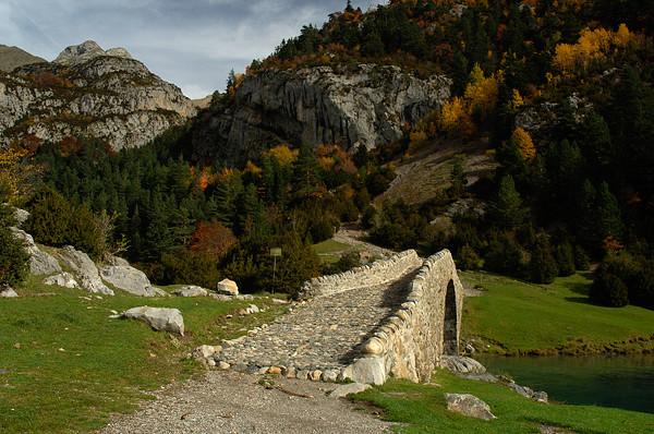 Puente de Bujaruelo. Foto gracias a turismosobrarbe.com