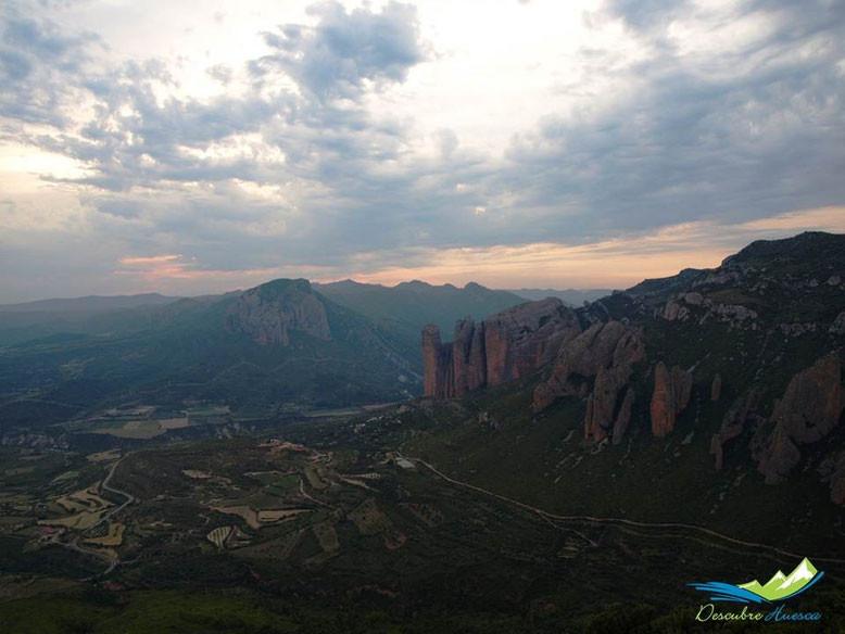 Mirador de los Buitres de Sarsamarcuello, Hoya de Huesca.