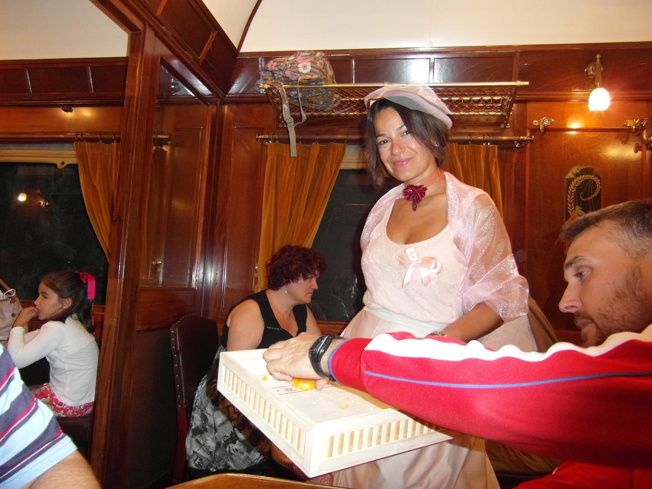 María trabajando y Ricardo a lo suyo ;-)