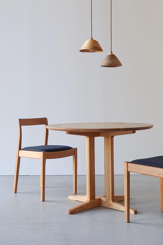 納品事例 サクラ無垢材のダイニングテーブル