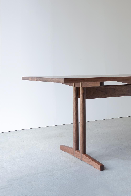 納品事例 ウォールナット無垢材のテーブル