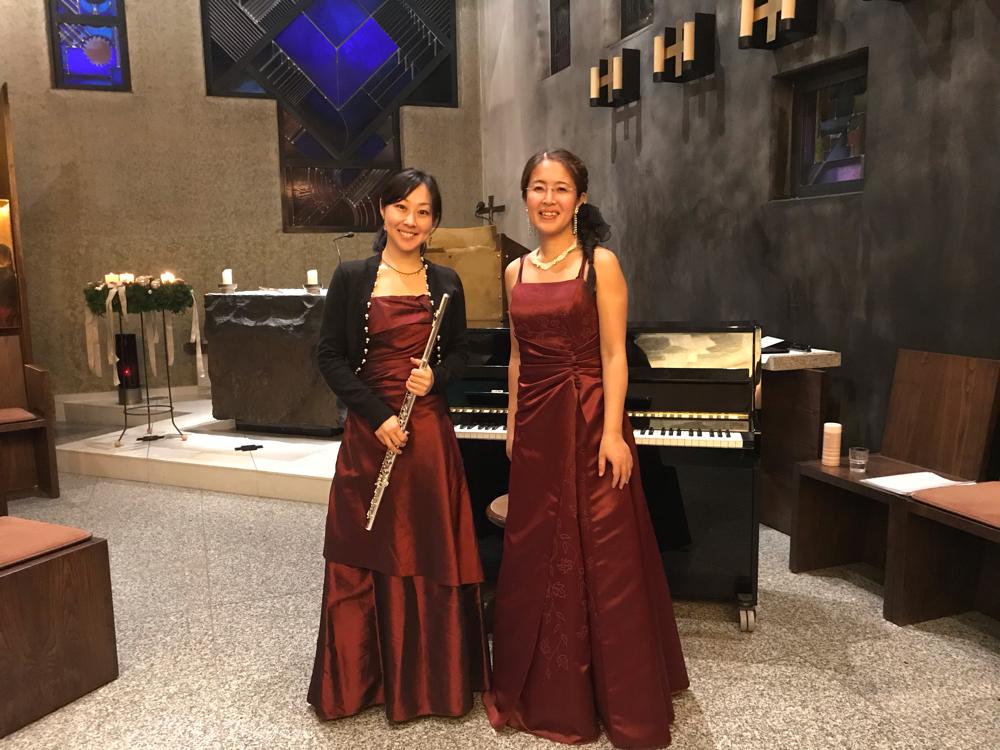 v.l. Frau Miho Shirai(Flöte) & Brummer 左から白井美穂氏(フルート) & ブルマー
