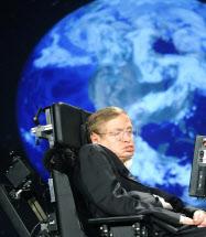 08年4月、米ワシントンで講演するホーキング博士=UPI共同