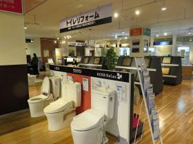 ヤマダ電機は住宅需要を取り込む新型店を増やしている(3月、川崎市の家電住まいる館YAMADAクロスガーデン川崎幸店)