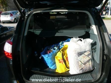 So sah unser Kofferraum aus, als wir nach Hause gefahren sind. Dieses Jahr waren es für unsere Verhältnisse wenig Spiele. (16 Stück.)