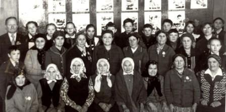 Солдатки, труженники тыла в гостях у учащихся Байгильдинской средней школы.