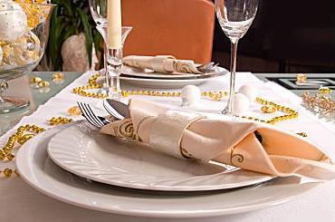 Préparation de table et menu pour votre arrivée