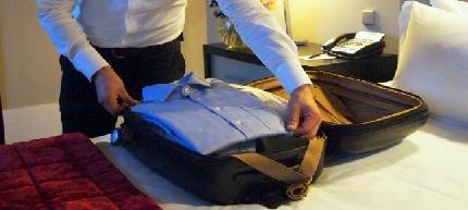 Faire les valises et charger la voiture ou déposer à l'aéroport