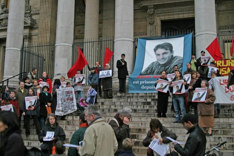 les Belges manifestent pour la liberté des opprimés place de la Bourse