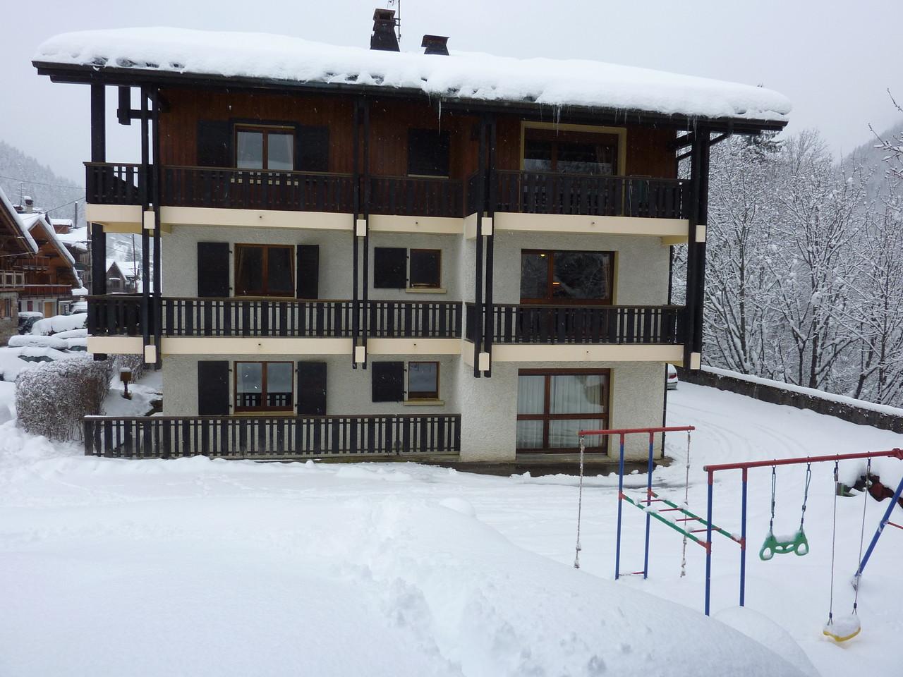 Face sud de la résidence en hiver