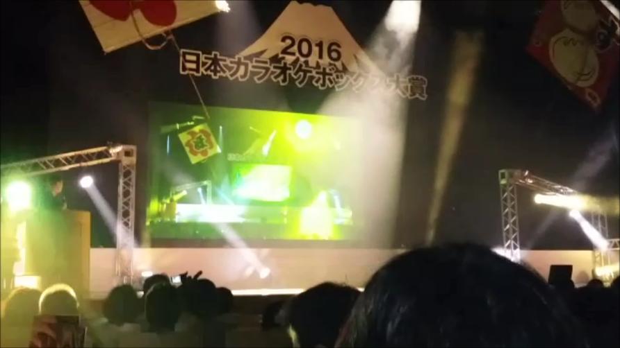 舞台に注目!!!