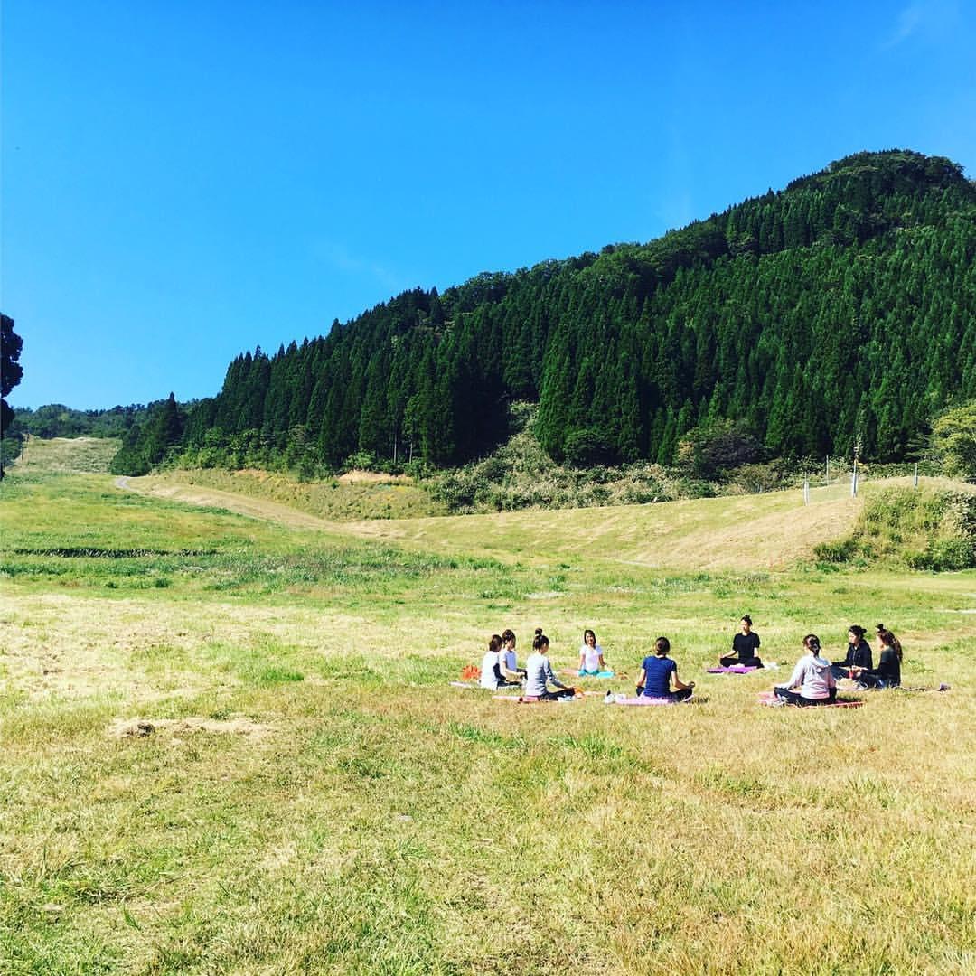 2016.10 山yoga 最高の空気と青空の下のYoga!