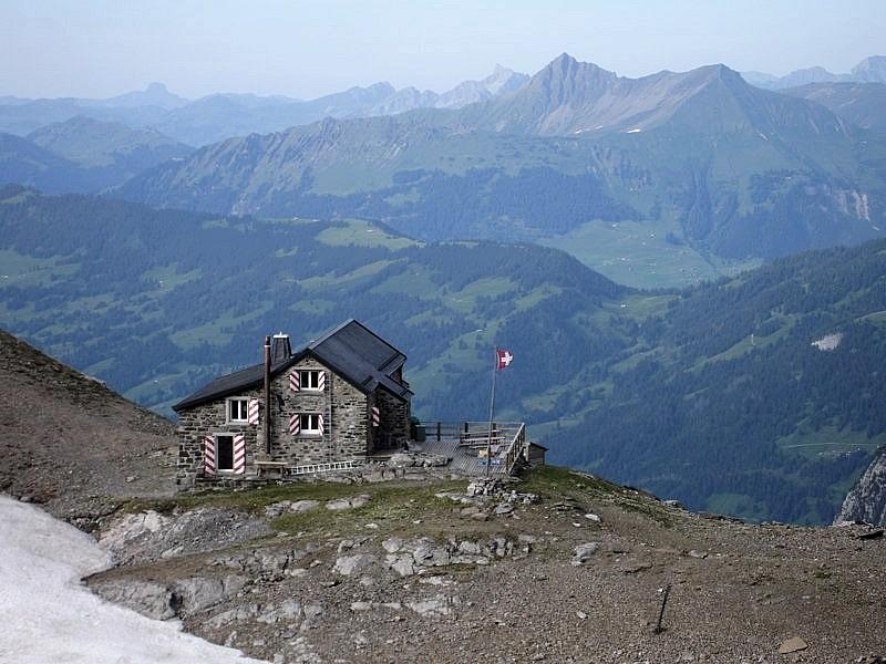 Cabane des Diablerets VD 2485m