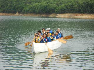 Eボートを組み立てて七ヶ宿湖のクルージング!
