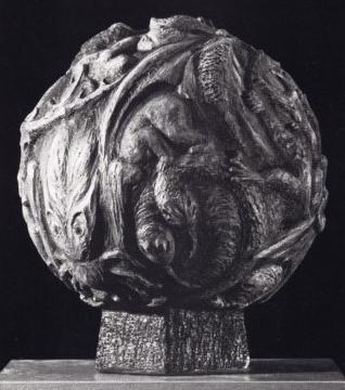 FABELKUGEL 1969, Terrakotta bemalt, Höhe 39 cm
