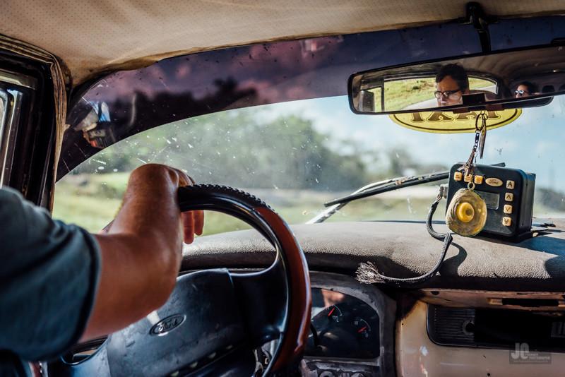 On the road. (ok, das Lenkrad ist von Ford!)